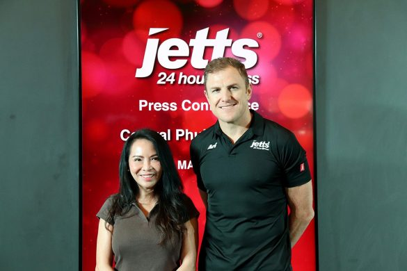 Grand Opening Jetts Fitness - 020